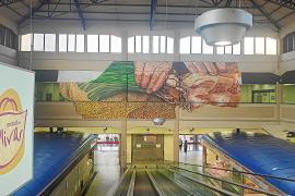 Un mural de Joan Aguiló rinde homenaje al sector primario en el Mercado del Olivar