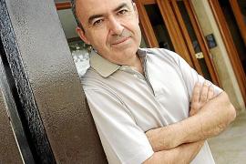 Lorenzo Silva considera que «la crisis económica revela una crisis moral»