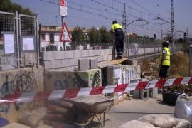 SFM cierra el paso a nivel de Can Foradí donde ayer fue atropellado un joven