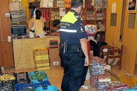 La policía interviene collares tóxicos en un locutorio de la Platja de Palma