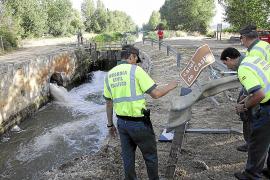 Tres mujeres y tres menores mueren al caer un monovolumen a un canal en Palencia