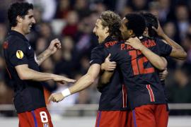 El Atlético toma ventaja tras un partido que ambos pudieron ganar