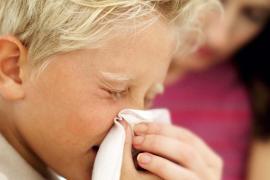 ¿Cómo diferenciar entre el coronavirus y un resfriado?