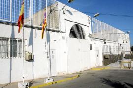 Denuncian el suicidio de un interno de la cárcel de Ibiza