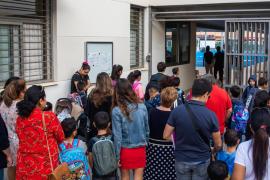 Absentismo escolar: March rechaza «la vía penal» y apuesta por «la concienciación»