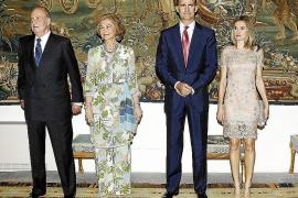 Cena ofrecida por la Familia Real a las autoridades de las Islas en el Palau de l'Almudàina