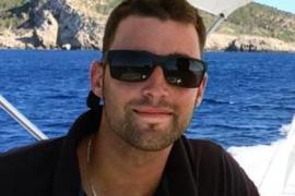 Open Arms homenajea al submarinista mallorquín Fernando Garfella