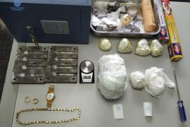 Hallan 2,5 kilos de cocaína en la vivienda de un detenido por amenazas a sus vecinos