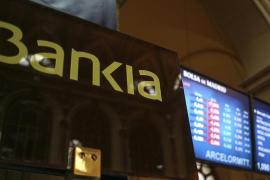 Jornada tranquila en la Bolsa española, que se aferra a los 7.000 puntos
