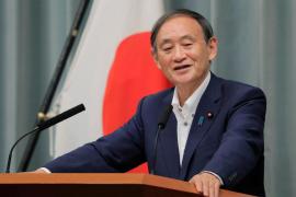 Yoshihide Suga se perfila como sustituto de Abe al frente de Japón