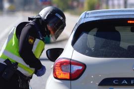 Detenido en Palma por conducir sin carnet y falsificar la tarjeta de la ITV