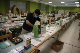 Los centros educativos de la Isla, entre reuniones, limpieza y organización