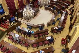 Incertidumbre en el Parlament ante el positivo de una diputada