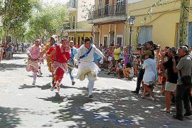 Los Cossiers cierran las fiestas en el vigésimo aniversario de su recuperación