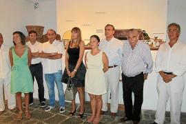 El público, implicado en la muestra sobre el Tren de Sóller en Can Prunera