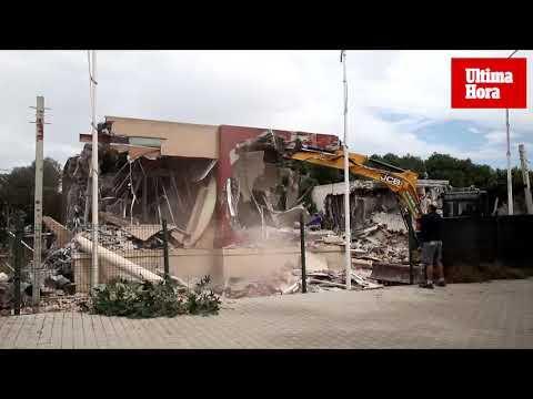 Derriban los pisos pilotos de Son Güells tras el desalojo de los okupas