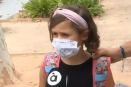 La reacción de una niña al uso de mascarilla: «Es mejor eso que morirse»