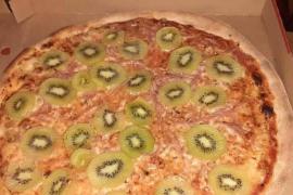 El creador de la pizza con kiwi asegura que su mujer se divorció de él después de volverse viral