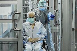 Cae a la mitad el tiempo medio de ingreso de los pacientes con COVID-19 en los hospitales de Baleares