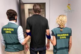 Detenido en el aeropuerto de Palma tras ser acusado de abuso sexual a dos niñas