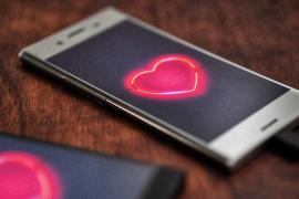 El 34% de los usuarios de apps de citas admite haber hecho más videollamadas íntimas y 'sexting' los últimos meses