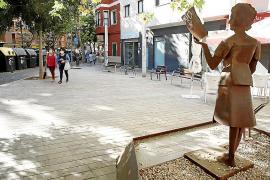 Una década de ruido, malos olores y violencia en la Plaza Encarna Viñas