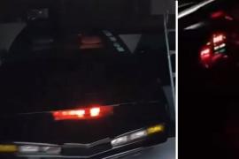 Gasta casi 35.000 euros en recrear a KITT, el coche fantástico