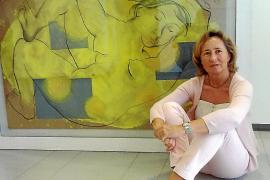 La pintora Cristina Escape promociona 'Jugando con estrellas' en Eivissa