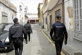 Piden siete años de prisión por intentar matar a su compañero de piso con unas tijeras en La Soledat