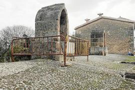 El Consell restaurará el 'aljub' de la carretera en Santa Eugènia, vallado desde hace más de un año