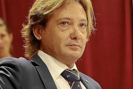 Jorge Campos lleva a los tribunales a los críticos por atentar a su honor