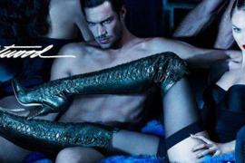 La modelo Swanepoel protagoniza una campaña censurada por su contenido sexual
