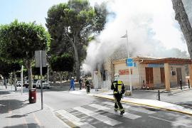 Un fuego en una caseta eléctrica obliga a cerrar parte de la primera línea de Santa Ponça