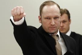 Breivik condenado a 21 años de cárcel prorrogables por los atentados de Oslo