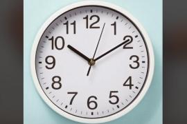 ¿Por qué los relojes suelen marcar las diez y diez en la mayoría de anuncios?