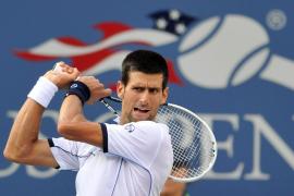 Djokovic quiere revalidar el título  ante un Federer que busca el récord de la 'era Open'