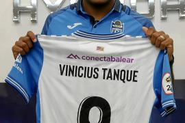 Vinicius Tanque: «Subir es mi única meta»
