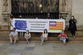 Interinos y temporales públicos protestan en Cort por la «grave precariedad» del colectivo
