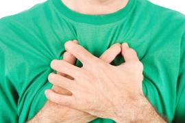 Primeros auxilios: cómo asistir a una persona a la que le cuesta respirar