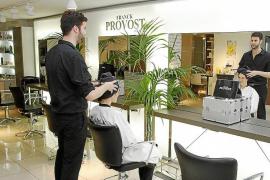 Las peluquerías se resienten por la subida de 13 puntos en el IVA que pagan