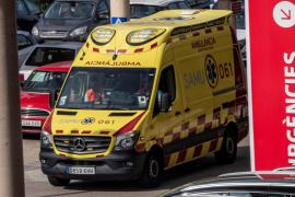 Accidente laboral en Sencelles: Herido grave al caerle una viga en la cabeza