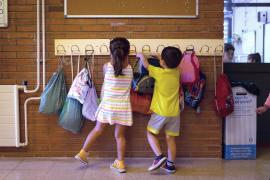Los niños tienen un 44 % menos posibilidades de contraer la COVID-19 que los adultos