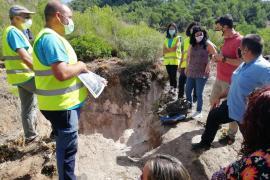 Empieza la excavación en busca de una fosa franquista en el Coll d'Artà en busca de tres víctimas