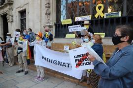 Protesta en Palma contra la inhabilitación de Quim Torra