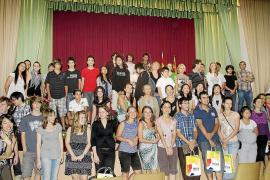 PRESENTACION DE LOS PARTICIPANTES EN EL CONCURSO DE PIANO