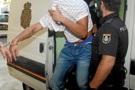 El detenido por intentar arrollar a dos hombres en la calle Manacor ingresa en prisión