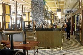 Cierran la cafetería y el hotel Montesol a la espera de tiempos mejores
