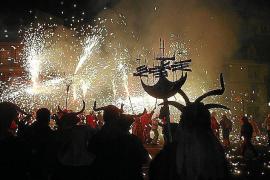 Los Dimonis de Hiachat celebran su décimo aniversario durante las fiestas de la Beata