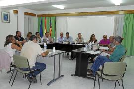 El alcalde crispa a la oposición con la reducción de plenos