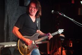 Fallece Eddie Van Halen, icono del rock